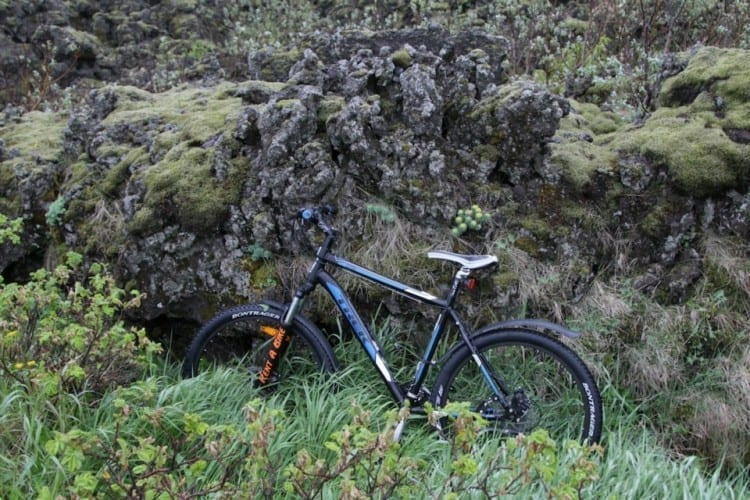 Rent a bike Westman Islands Vestmannaeyjar trek E-bike