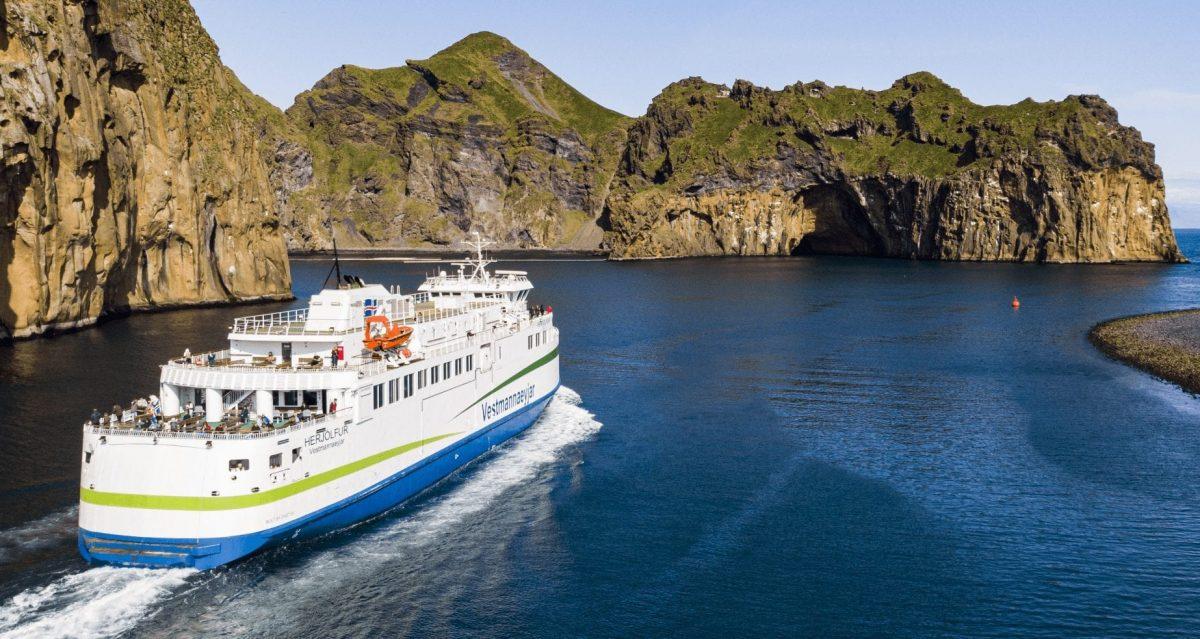 Ferry to Vestmannaeyjar - Ferry to Westman Islands - Herjólfur Ferry